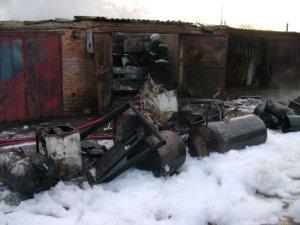 Фото: Пожежа в гаражному кооперативі на Полтавщині: згоріли транспортні засоби (фото)