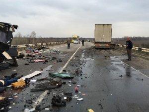 Серед постраждалих у ДТП під Лубнами – двоє дітей (ФОТО)