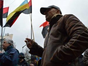 Фото: Полтавці проситимуть генпрокурора зняти прокурора Полтавської області (ФОТО)