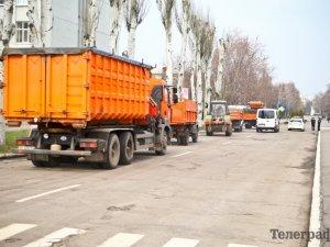 Фото: Під гул сирен кременчужани попрощалися з Героєм Олегом Довбнею (ФОТО)