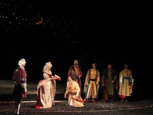 Фото: Гоголівський фестиваль відкрили гоголівською виставою