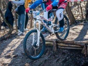 Фото: У Полтаві змагалися з екстремального велоспорту (ФОТО)