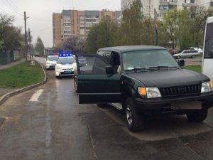 Фото: У Полтаві автомобіль збив пішохода