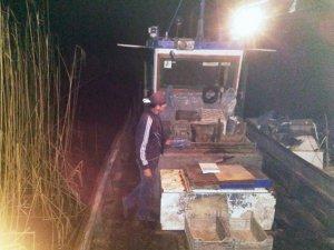 Фото: У Семенівському районі п'яний чоловік на річці Сула сітками ловив рибу