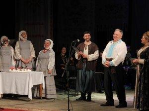 Фото: Народний артист Василь Голуб звітував перед полтавською публікою