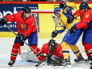 Фото: Гравці хокейного клубу «Кременчук» допомагають збірній України двічі перемогти на Чемпіонаті світу