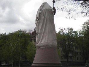 Як виглядає пам'ятник Мазепі за 2 тижні до відкриття (фото)
