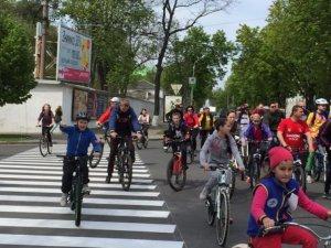 Фото: У Полтаві відбулася акція «Біжу заради здоров'я дитини» та велопробіг