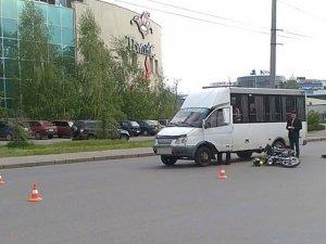 Фото: У Полтаві «маршрутка» не розминулася із мопедом