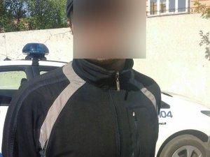 Фото: У Полтаві на чоловіка напав злодій та відібрав телефон