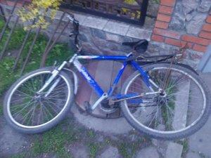 Фото: У Гребінці «Москвич» зіштовхнувся із 10-річним велосипедистом