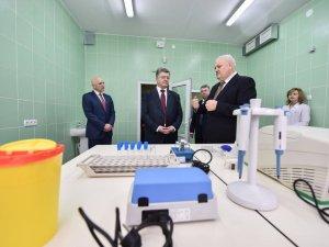 Фото: Президент України відвідав Полтавський обласний протитуберкульозний диспансер
