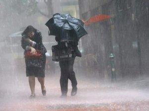 Фото: Полтавщину штормитеме: попередження рятувальників