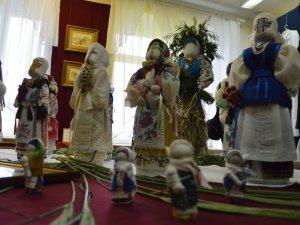 Фото: Решетилівську весну перенесли, але майстри влаштували міні-ярмарок (ФОТО)