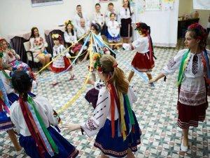 Фото: Українці у Стамбулі відзначили День вишиванки (ФОТО)