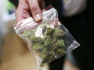 Фото: У Гребінці на станції затримали чоловіка з наркотиками