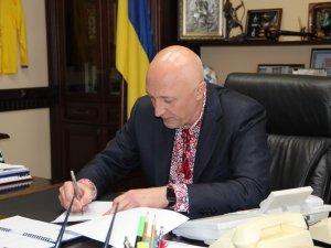 Фото: Валерій Головко підписав розпорядження про декомунізацію вулиць в Полтаві