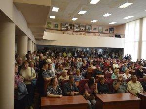 Мітингували проти перейменування Комсомольська у Горішні Плавні