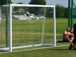 Під Полтавою футбольні фанати змагаються на турнірі (фоторепортаж)