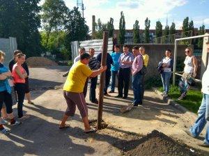 У Полтаві жителі  «Подолу» самостійно намагались зупинити незаконне будівництво (ФОТО, ВІДЕО)