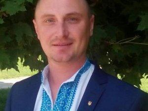 Фото: Проміжні вибори: Карножицький зняв свою кандидатуру на корись Ольшанського