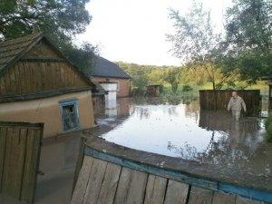 Фото: Стихія на Полтавщині: врятували двох людей та відкачують воду в затоплених селах