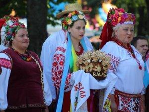 Фото: Національний фестиваль гончарства в Опішні відвідав міністр та закордонні гості (ФОТО, ВІДЕО)