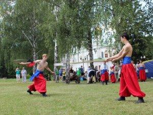 Фото: Козаки та вистріли з гармат – відзначили річницю Полтавської битви (ФОТО, ВІДЕО)