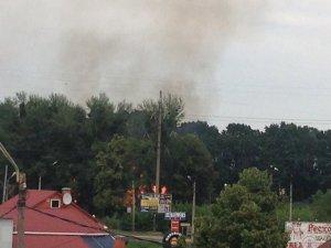 Фото: У Полтаві неподалік заправки виникла пожежа (ФОТО)