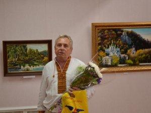 Фото: Переселенець-художник із зони АТО презентував у Миргороді виставку картин