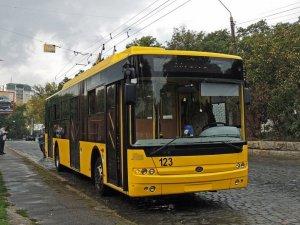 Фото: Полтавців запитують, що вони змінили б у транспортному обслуговуванні