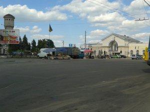 Фото: Благоустрій площі Слави потрібно завершити