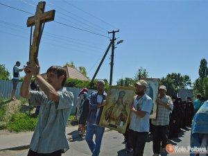 Фото: Донбаські ходоки, полковник-хабарник, мода, вибори і перегони: огляд новин за тиждень
