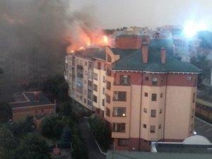 Постраждалих у пожежі на Першотравневому у Полтаві немає, – ДСНС (оновлено, ФОТО)