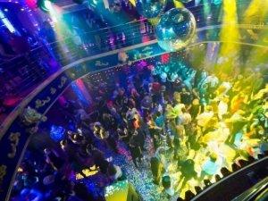 Фото: У нічному клубі Горішніх Плавнів шукали вибухівку