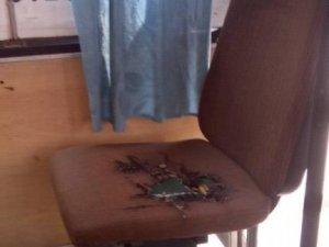 Фото: Полтавський транспорт: діряві брудні сидіння та іржавий салон
