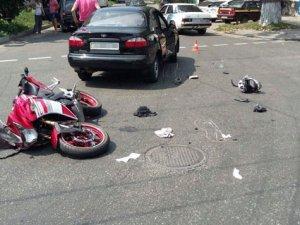 Фото: ДТП у Полтаві : загинув мотоцикліст, серед травмованих – жінка з дитиною
