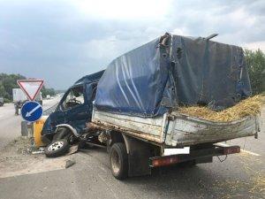 Фото: На Полтавщині в ДТП одна людина загинула та четверо травмовані