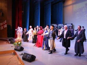 Фото: На виставу гоголівців завітав Посол Грузії