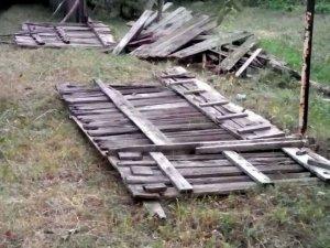 Негода у Полтаві: повалені паркани, зірвані дахи, залиті вулиці