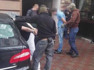 Фото: Топ-менеджера полтавської філії «Укрексімбанку» впіймали на багатотисячному хабарі