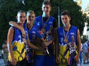 Фото: Полтавські тінейджери перемогли у Всеукраїнських змаганнях зі стрітболу