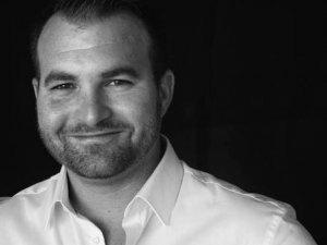 До Полтави приїздить французький фахівець з психології, який допомагає українським воїнам