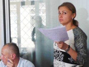 Фото: У Полтаві адвокат погрожувала у суді побрити наголо журналістку