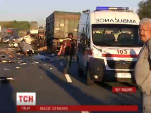 Фото: На Полтавщині зіштовхнулись дві фури: загинуло троє людей
