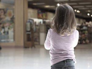 Фото: У Полтаві шестирічна дівчинка загубилася, а батьки її не шукали