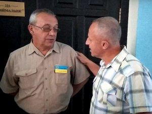 Фото: Міський голова Полтави ховається від батьків дітей третьої школи? (відео)