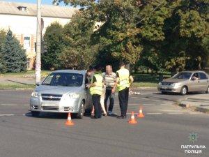 Фото: Полтавські патрульні оштрафували водія, який не пропустив пішохода