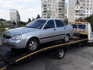 Фото: Полтавський таксист під алкоголем і наркотиками влаштував шоу для поліцейських (відео)