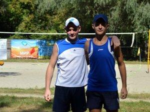 Фото: У Полтаві провели шкільний турнір з пляжного волейболу